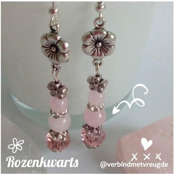 Lange oorbellen met rozenkwarts en bloemen